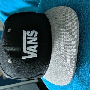 Adjustable vans hat